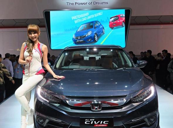 Honda Raih Penghargaan Mobil Terbaik lewat All New Civic Turbo